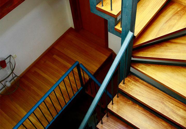 posada-tollo-espacio-comun-escalera