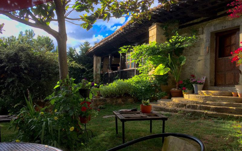 posada-tollo-jardin-sito-1